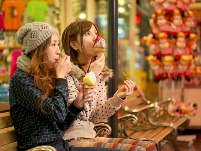 【ダニエルストリート】ショップ&ファーストフード店が並ぶメインストリート