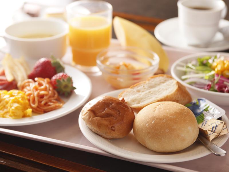 朝食バイキング(洋食風盛り付け例)
